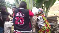 C'est à une scène rocambolesque que les habitants de Maetur Mimboman ont assisté ce Mardi