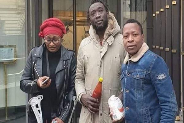 Les activistes de Bas qui ont attaqués Ernest Obama