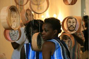 Un artiste-plasticien camerounais s'interroge sur la fragilité d'un 'monde en perte de repères'