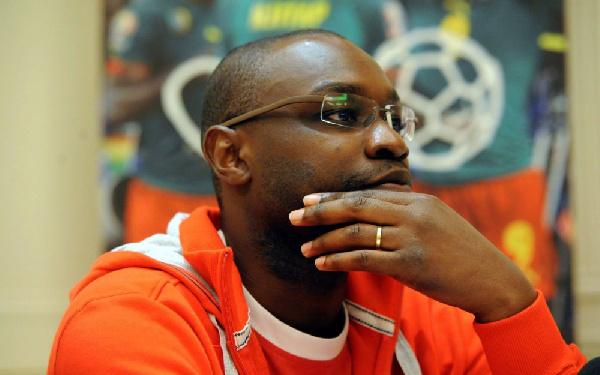 Samuel Eto'o a menti– Patrick Mboma