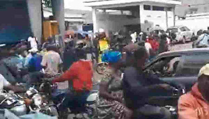 Vivez en live la manifestation à Douala