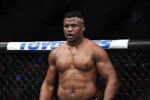Francis Ngannou a déclaré qu'il avait eu une réunion productive avec la présidente de l'UFC