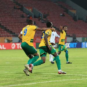 A noter que le Rwanda se qualifie en compagnie du Maroc, vainqueur de l'Ouganda
