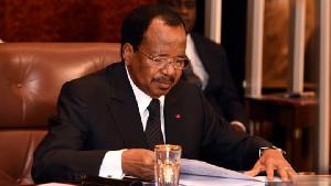 Paul Biya suspend la perception des taxes sur les téléphones
