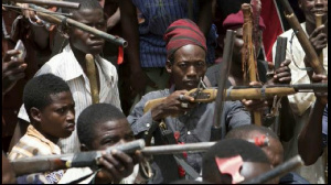 Sa mission est de fondre dans la population, cibler et tuer les généraux des groupes armés