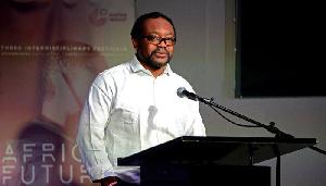 Jean Pierre Bekolo appelle les Camerounais à choisir entre le camp de Biya et celui de Maurice