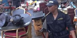 Il médite actuellement son sort dans les locaux du commissariat du 4ème arrondissement