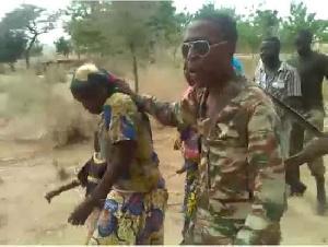 mauvais traitements infligés aux civils par les militaires
