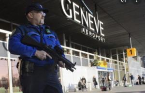 Des policiers suisse à l'aéroport de Genève