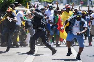 La BAS mène lavie dure au régime Biya