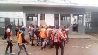 Les vendeurs de puce d'Orange Cameroun crient leur colère