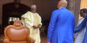 Le président de la CAF chez le sultan de Bamoun