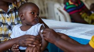 Un enfant recevant un vaccin