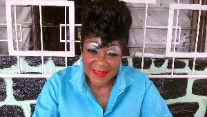 Mama Nguea a perdu ses deux jambes
