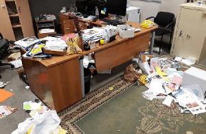 Les bureaux de l'Ambassade ont été saccagés