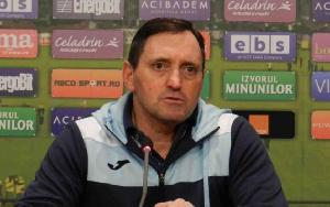 'Nous mettons ce temps à profit pour regarder les matchs et les joueurs de l'équipe nationale'