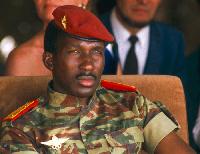 Littéralement sous le charme du Capitaine Thomas Sankara, ancien président du Burkina Faso