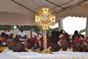 L'adoration du Très saint Sacrement