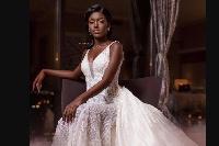 Tara Gueye a décidé de valoriser son teint noir et célèbre par ricochet la beauté kamite