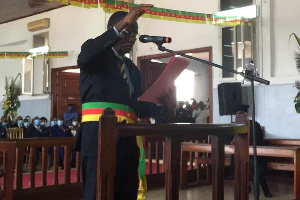 Ce moment solennel intervient après la session de plein droit qui a consacré l'élection des exécutif