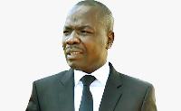 AMOUGOU BELINGA a annoncé la construction d'une bibliothèque baptisée Paul BIYA