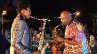 Alain Rodrigue Oyono ici avec Manu Dibango