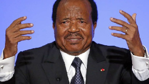 Ahmadou Ahidjo a cédé le Cameroun à Paul BIya en 1982