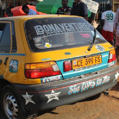 Il a perdu 400000 f dans son taxi