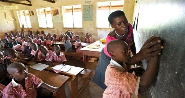 Un parent d'élève bastonne copieusement une enseignante