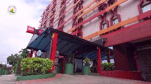 Le Qatar trace son sillon au Cameroun à travers le rachat de l'hôtel Ibis de Douala