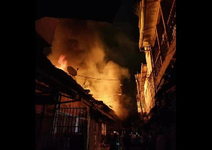 Incendie Marche Mboppi Douala1