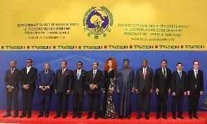 Chantal Biya est la seule première dame à assister au rencontre des Chefs d