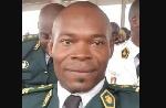 Dommage pour ce jeune officier qui laisse son épouse et sa famille éplorées!
