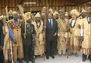 Paul Biya en compagnie de certains Chefs traditionnels