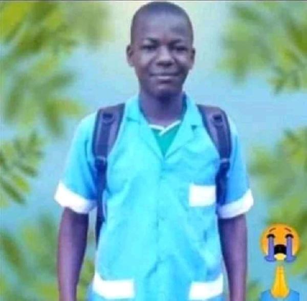 Eleve pendu à Baganté