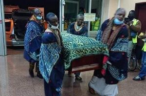 Le roi des Bamoun va-t-il être enterré avec 4 êtres humains vivants ?