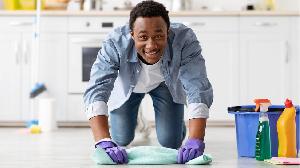 certaines tâches ménagères sont considérées, consciemment ou non, comme le domaine d'une femme