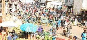 La population camerounaise en cette années était de plus de 7 600 000 habitants