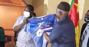 Le club PWD de Bamenda a rendu visite au chairman du SDF Ni John Fru Ndi