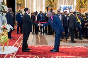 Paul Biya recevant des voeux au palais