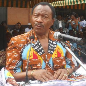 Emmanuel NGANOU Djoumessi est le ministre des travaux publics