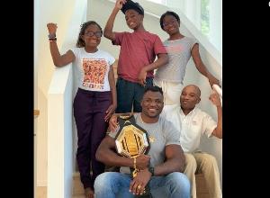 Francis N'gannou  et sa famille