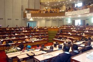 Les débats portent également sur l'orientation budgétaire