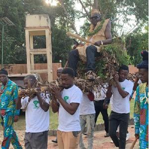 Un chef Ekang dénude Amougou Bélinga et révèle la supercherie du 'Zoml'oo'