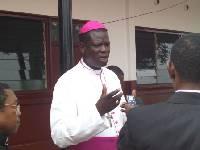 Mgr Kléda, l'archevêque de Douala estime que son remède marche