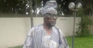 Un candidat déclaré à la présidentielle de 2025 vole au secours du roi Sokoudjou