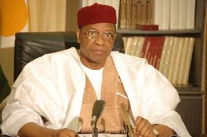 Mamadou Tanja a dirigé le Niger de 1999 à 2010