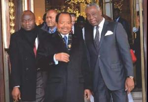 Paul Biya en compagnie de Mvond Ayolo