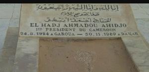 La tombe de Ahmadou Ahidjo à Dakar