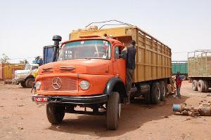 Plus de 830 camions de marchandises bloqués à Garoua-Boulaï au Cameroun
